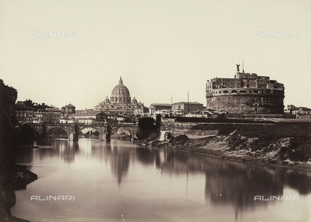Panoramic view of Rome, with Castel Sant'Angelo, the Sant'Angelo Bridge and the Basilica of the Vatican in the background
