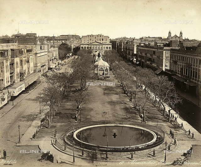 Alexandria, Egypt: Square of the Consuls, with a large round fountain