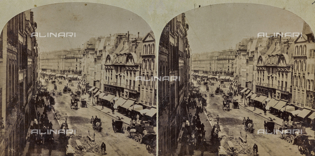 Animated view of Rue Saint Antoine in Paris