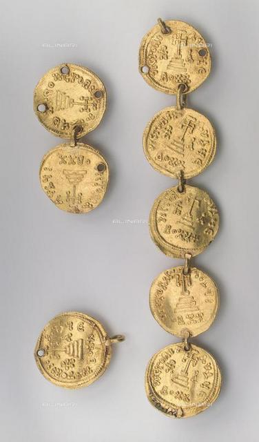 Fragment of a Necklace Consisting of Eight Byzantine Coins, 637-646, Gold, d. 2,1, Khazar culture, State Hermitage, St. Petersburg