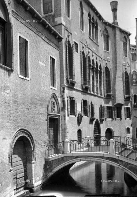 Palazzo Centanni (Casa Carlo Goldoni), Calle dei Nomboli, Venice