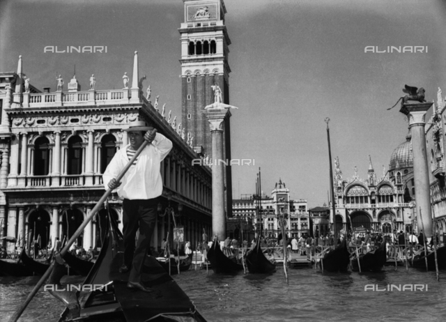 Gondolier in the Bacino di San Marco, Venice