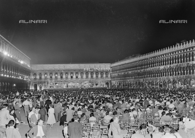 Crowd in Piazza San Marco in Venice for a concert of the RAI National Symphony Orchestra