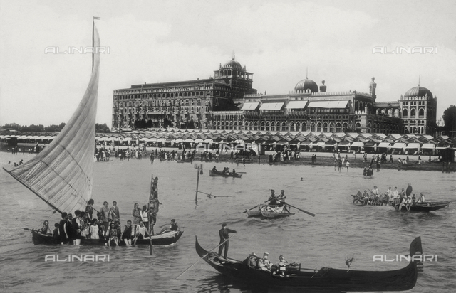 Animated view of the Grand Hotel Excelsior, Venice Lido