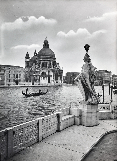 Animated view of Church of Santa Maria della Salute in Venice