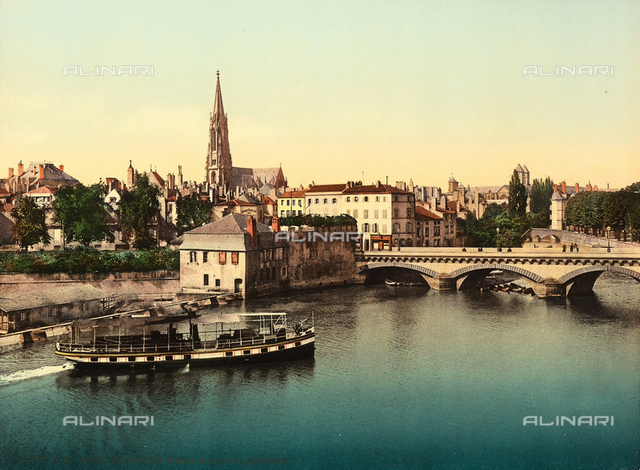 View of Metz with the river Meuselle and the Middle Bridge.