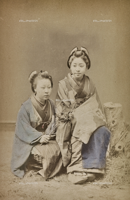 Couple of Japanese in traditional clothes