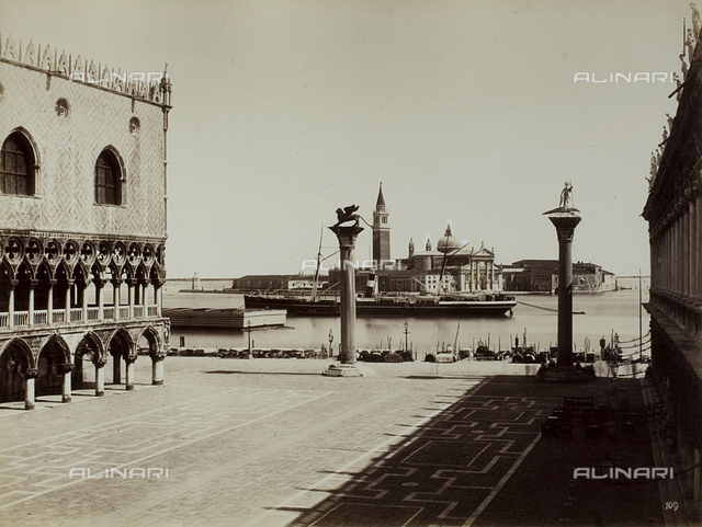 Animated view of the Piazzetta San Marco in Venice, bounded by the Palazzo Ducale and the Libreria Marciana; in the background, the Church of San Giorgio Maggiore and a steamer crossing the lagoon