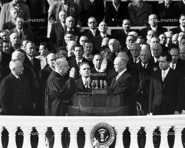 The President of the United States, Harry Spencer Truman and Richard Nixon are portrayed, together with other American political personalities, during an oath in Washington D.C.