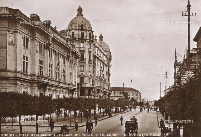 Postcard of Foggia, Viale XXIV Maggio, Palazzi delle Poste e dei Telegrafi and Apulian Aqueduct