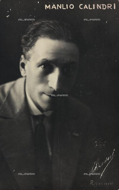 Ritratto dell'attore italiano Manlio Calindri; cartolina