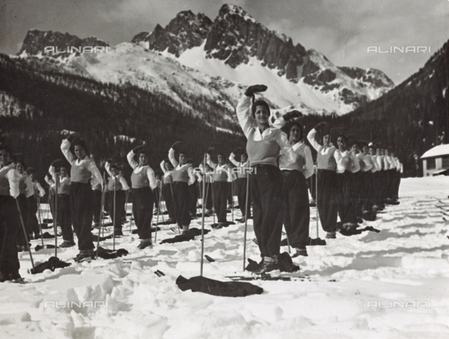 Student of the Orvieto Fascist Academy of Orvieto on the snow fields