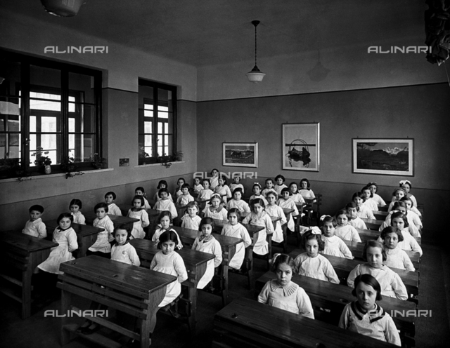 A class at the Via C. Dolci elementary school in Milan