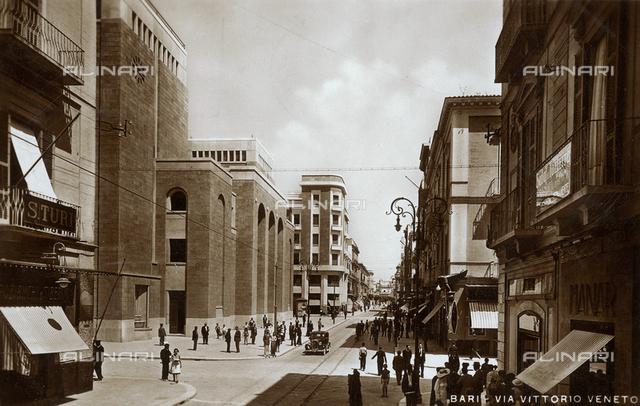 Bari, Via Vittorio Veneto, postcard
