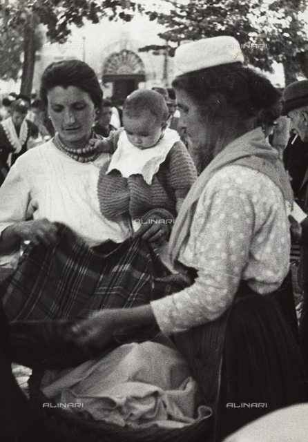 Peasant women at the  town market in Alatri
