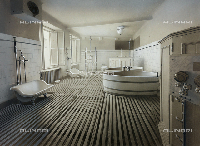 Inner view of an ambulatory of an Institute for physiotherapeutic treatment, with bathtubs and medical equipment
