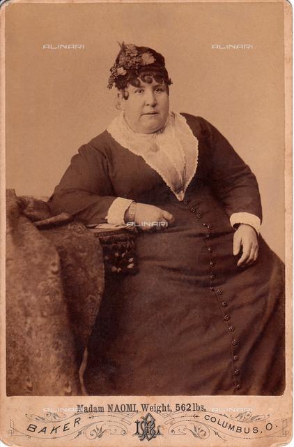 1885 ca, Columbus. Ohio, USA: MADAM NAOMI side show FAT LADY of 562 Lbs.