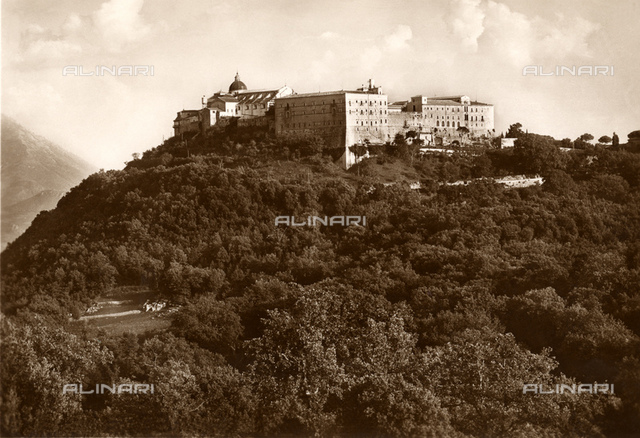 1939, MONTECASSINO, FROSINONE, ITALY : The ABBAZIA DI MONTECASSINO (façade North-West) before the destructions of 1944 under the bombs of Allieds Forces. The Abbbazia was rebuilt after the war. St. Benedict of Nursia established his first monastery in Montecassino, the source of the Benedictine Order, here around 529