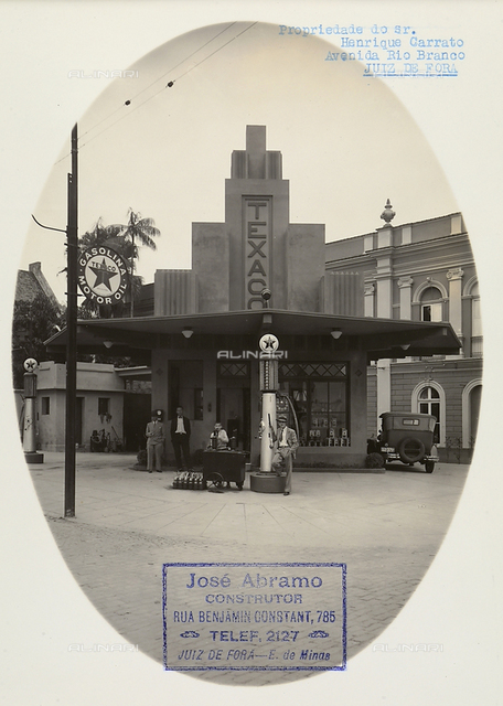 Activities of the Italians. Structural works by Giuseppe Abramo in the city of Belo Horizonte in Brazil: Texaco filling statioin in Juiz de Fora