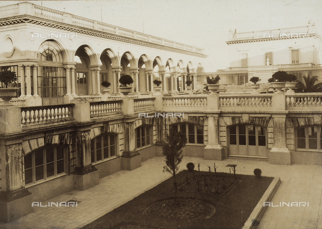 """""""The works of Ing. Luigi Andreoni in Uruguay:"""" the courtyard of the Umberto I Italian Hospital in Montevideo"""