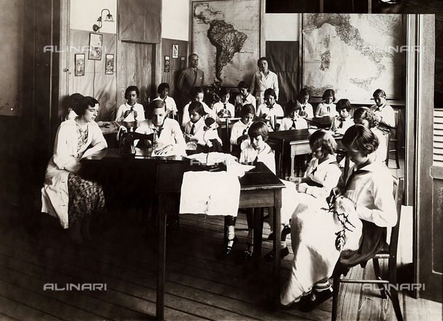 House of the Italians in Bahia, Brazil. Sewing class
