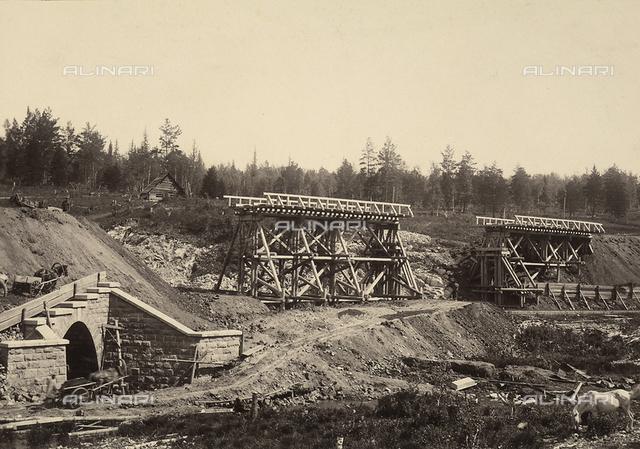 Attività degli italiani all'estero. Vedute dei lavori di costruzione di una ferrovia in Russia. Ricostruzione di una tratta di 20 km in Siberia