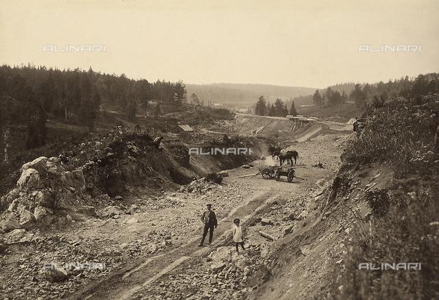 Attività degli italiani all'estero. Vedute dei lavori di costruzione di una ferrovia in Russia. Ricostruzione di una tratta di 20 km in Siberia. Scavi per la realizzazione di trincee