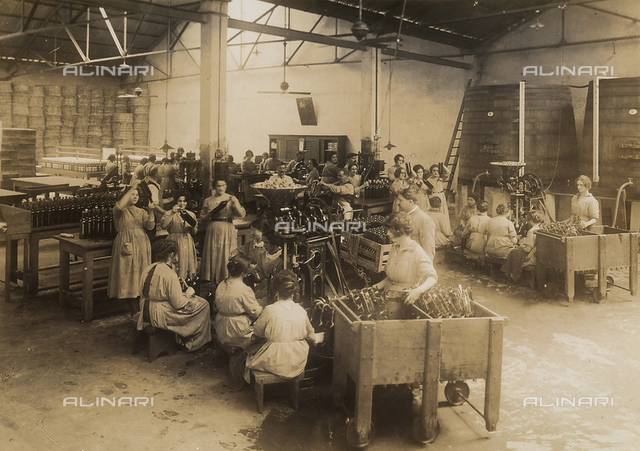 Francesco Cinzano & Company, Buenos Aires: workers at task in the bottling department