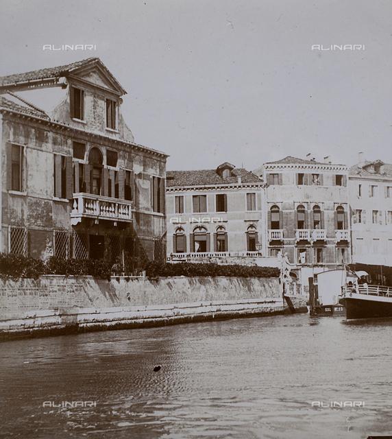 Buildings overlooking a Venetian canal