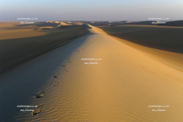Sahara desert, dunes Ghurd Abu Muharrik