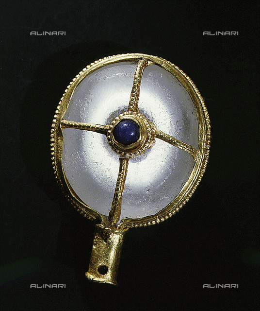Rare Anglo-Saxon aestel or manuscript pointer, 9th century. A sphere of rock crystal in a cruciform gold mount, found near Warminster, Wiltshire. It is similar to several pointers commissioned by Alfred, King of Wessex (871-899 AD) and sent out to the dioceses of the kingdom with his translation of Pope Gregory the Great's Pastoral Care. From the Salisbury and South Wiltshire Museum