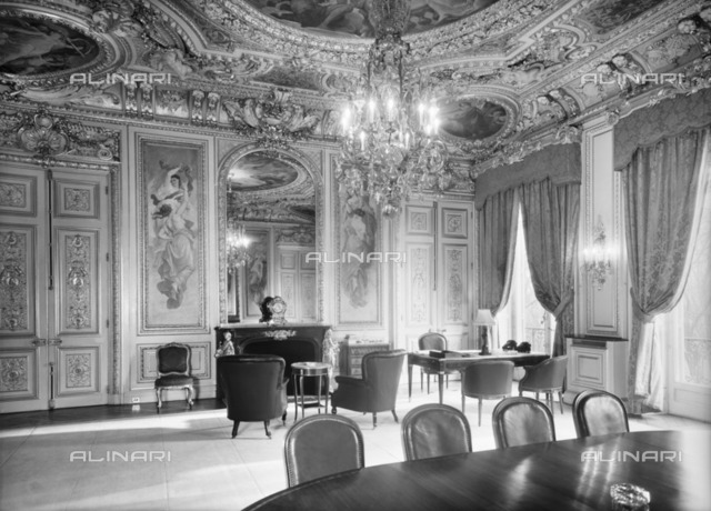 Ambassador's Office, British Embassy (Hotel de Charost), 39 Rue de Fauborg Saint Honore, Paris, France, 1952. Photographed for the Ministry of Works