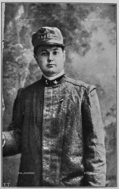 "The teacher sig.na Luigia Ciappi in military clothes, while trying to start from Florence to the front with the military of the 127th Regiment. Photography taken from the magazine ""L 'Illustration Italian"" of June 6, 1915, n. 23, page 472"