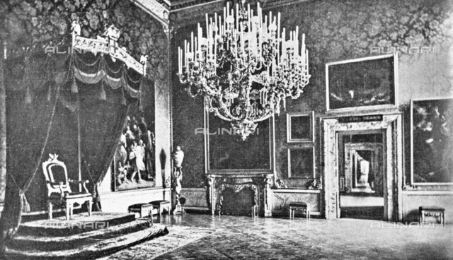 "The Pitti Palace Throne Room where they were exhibited paintings by Guercino and Guido Reni for the exhibition of Italian painting of the seventeenth and eighteenth centuries. Photograph taken from the magazine ""L 'Illustrazione italiana"" of 25 June 1922, n. 26, page 738"
