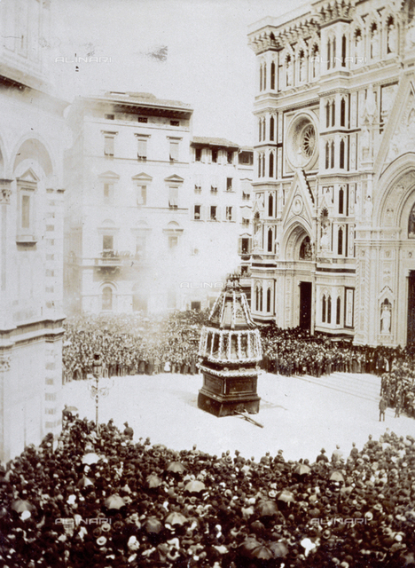 Piazza del Duomo in Florence, with the crowd gathered for the traditional 'scoppio del carro' on Easter sunday