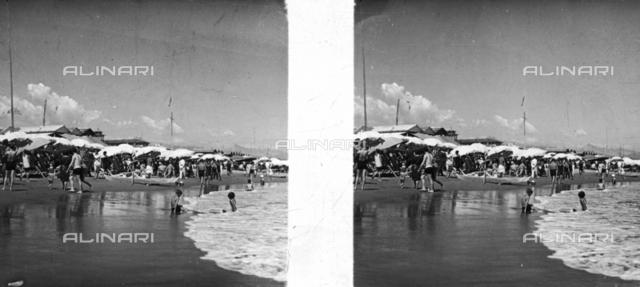15 August in Viareggio, stereoscopic photography