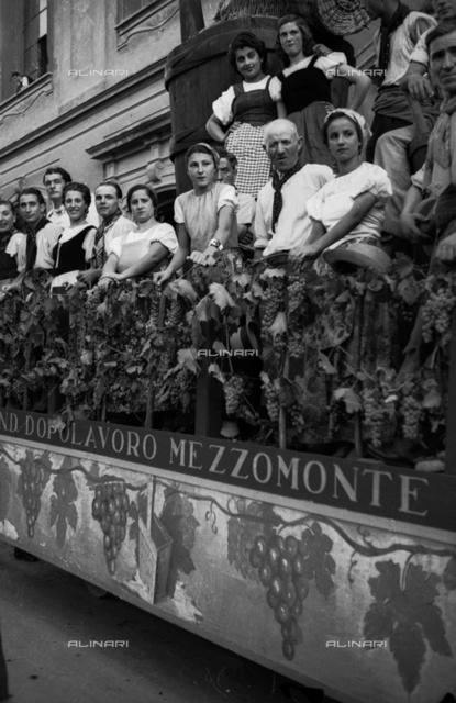 Grape Festival in Impruneta: parade in Piazza Buondelmonti