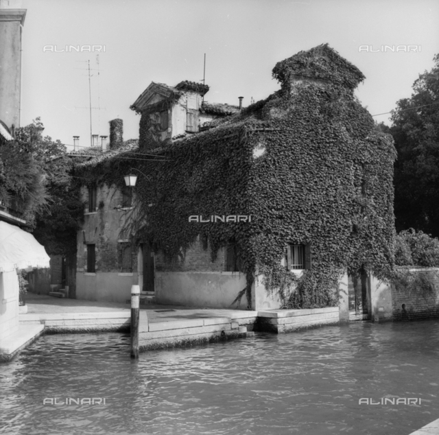 House overlooking a canal in Venice