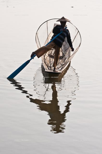 Birmania lago Inle pescatori Intha