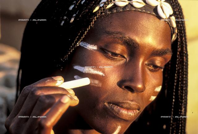 Senegal Saly Portudal ballerina al trucco