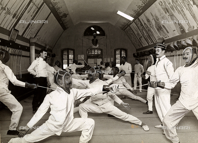 Fencers during a lesson at the Joinville le Pont school of gymnastics.