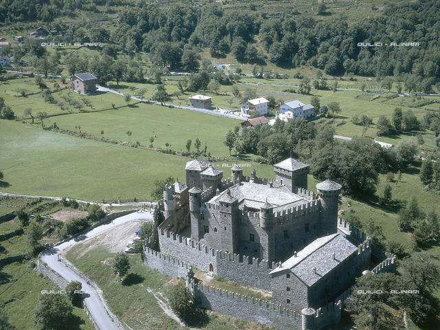 Castle, Fenis