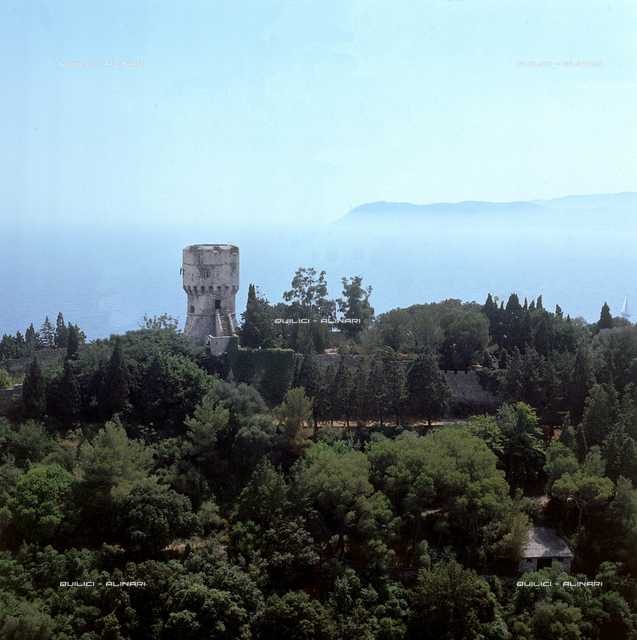 Island of Gallinara: watch tower