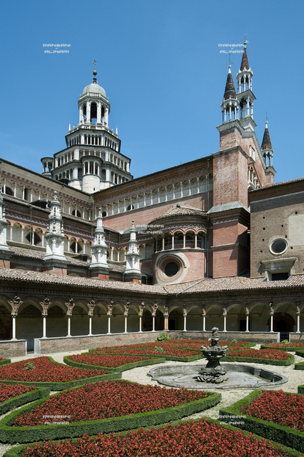 Small Cloister and right transept of the church, Charterhouse of Pavia