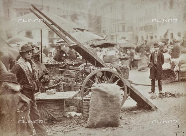 The market in Piazza Campo de 'Fiori in Rome