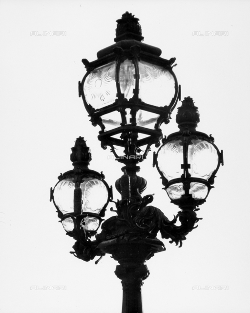 Street lamp in Paris