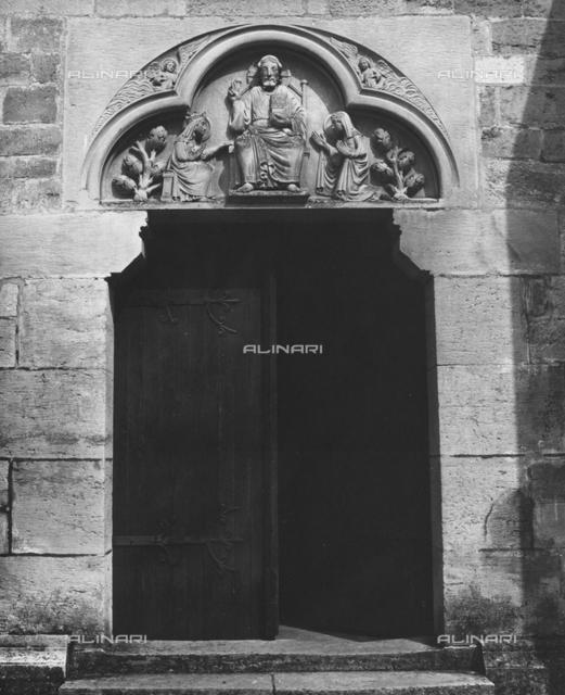 Christ Enthroned Between Two Saints, entryway, Saint-Madeleine, Vezelay