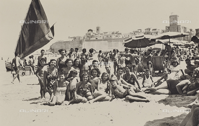 Group portrait on the beach in Termoli