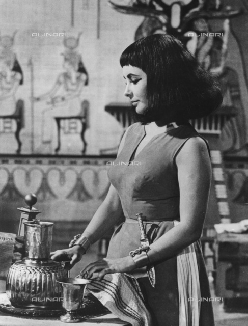 """Actress Elizabeth Taylor in a scene from the movie """"Cleopatra"""" (1963) directed by Joseph L. Mankiewicz"""