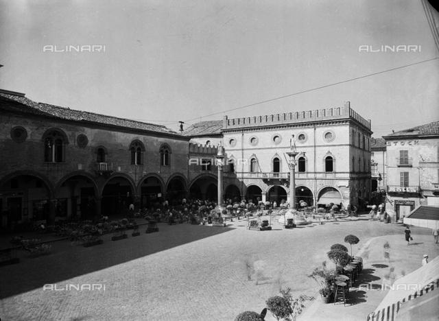Columns, Piazza del Popolo, Ravenna.